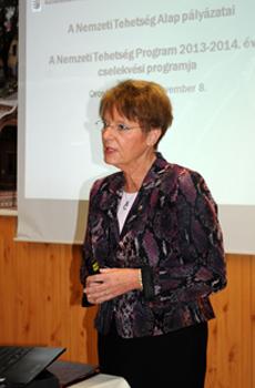 Hoffmann Rózsa a tehetséggondozásról tartott előadást a Kodolányin (Fotó: Kecskeméti Krisztina)
