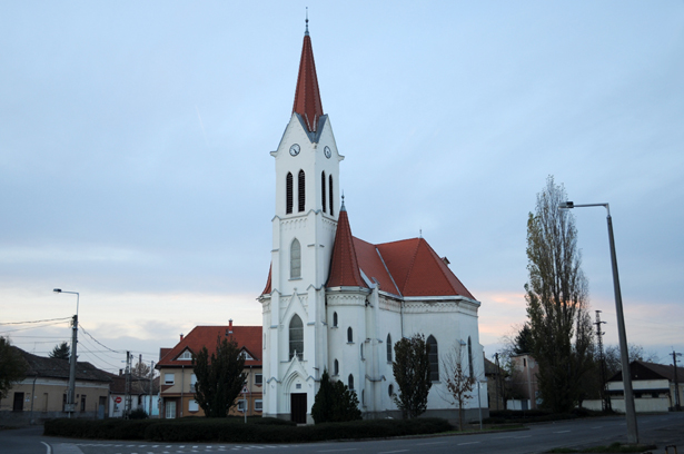 Megújult a református templom teteje, de további tervek is vannak (Fotó: Kecskeméti Krisztina)
