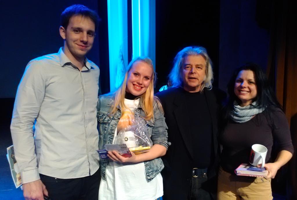 Halupa Zoltán, Jónás Anna, Somló Tamás és Nagy Krisztina a Ceglédi Gigasztár döntője után (Fotó: Birkás Tibor)