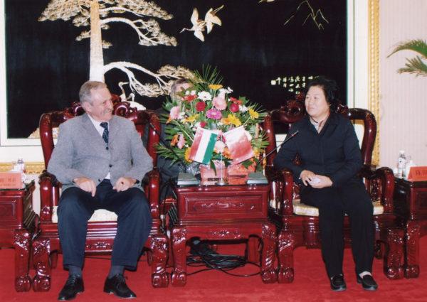 Orosházi delegáció a kínai Panjinban 2007-ben