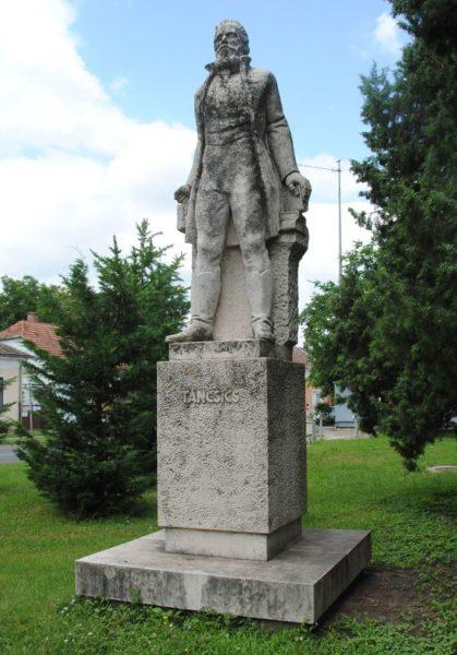 Táncsics szobor